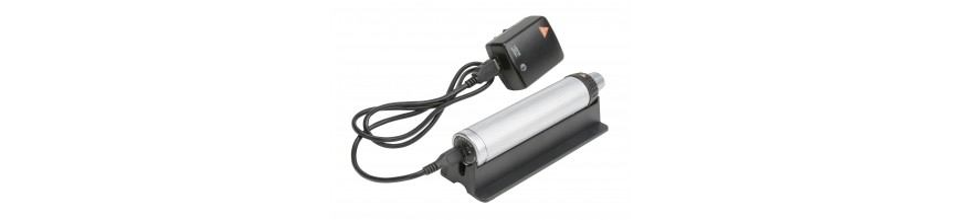 Stromquellen wie Batteriegriffe, Ladegriffe, Ladeakkus